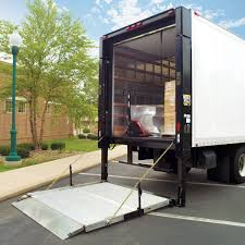 truck equips with liftgate service
